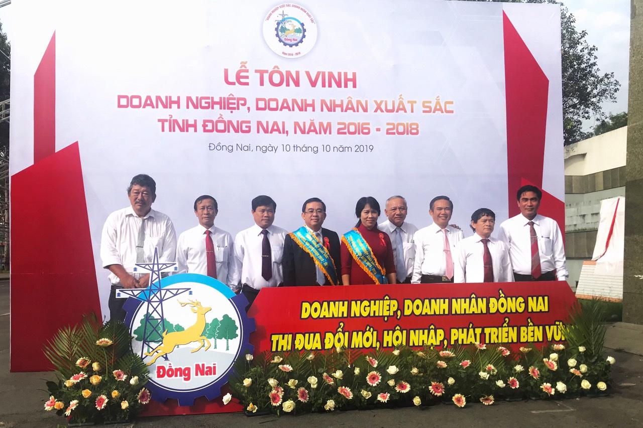 Tập thể lãnh đạo Tổng Công ty Cao su Đồng Nai